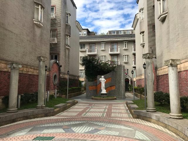 萊茵富邑別墅,桃園市中壢區中正路