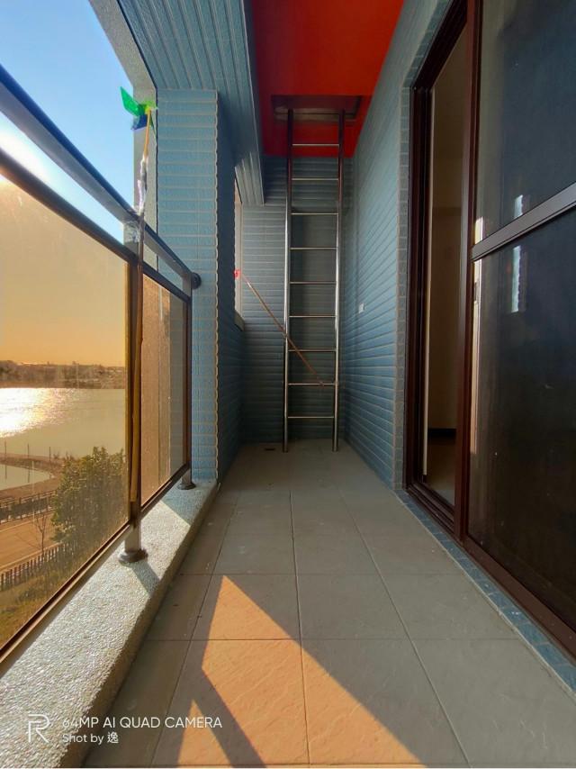 湖景電梯別墅+百坪庭院